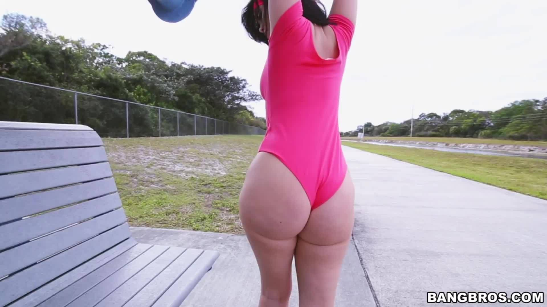 Thick PAWG Ryan Smiles has got a Big Booty