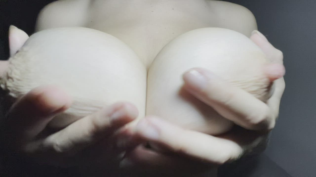 Can you play with my Big Titties