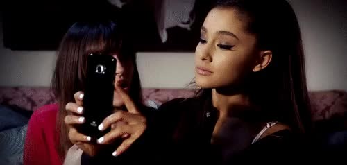 ariana, show me how to take up with the tongue a muff