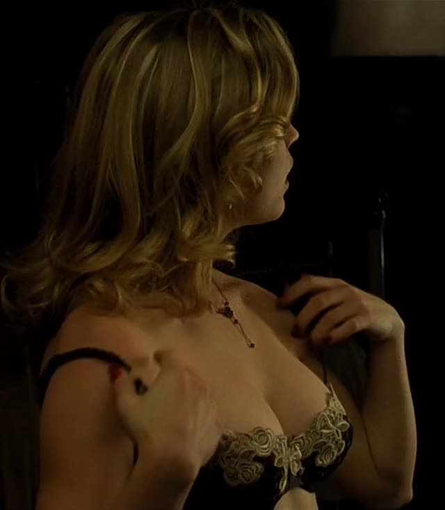 Melissa George - Amazing boobs in Dark City (1998)