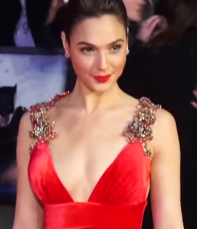Watch this gal gadot GIF by 929293 (@929293) on Gfycat. Discover more celebrity, celebs, gal gadot, hot, sexy GIFs on Gfycat