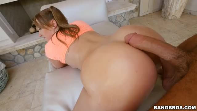 harley Jade twerking on his cock