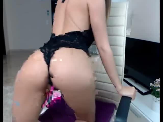 flawless YOUTHFUL Dark brown With Ideal Body And Love tunnel Fingering On Webcam