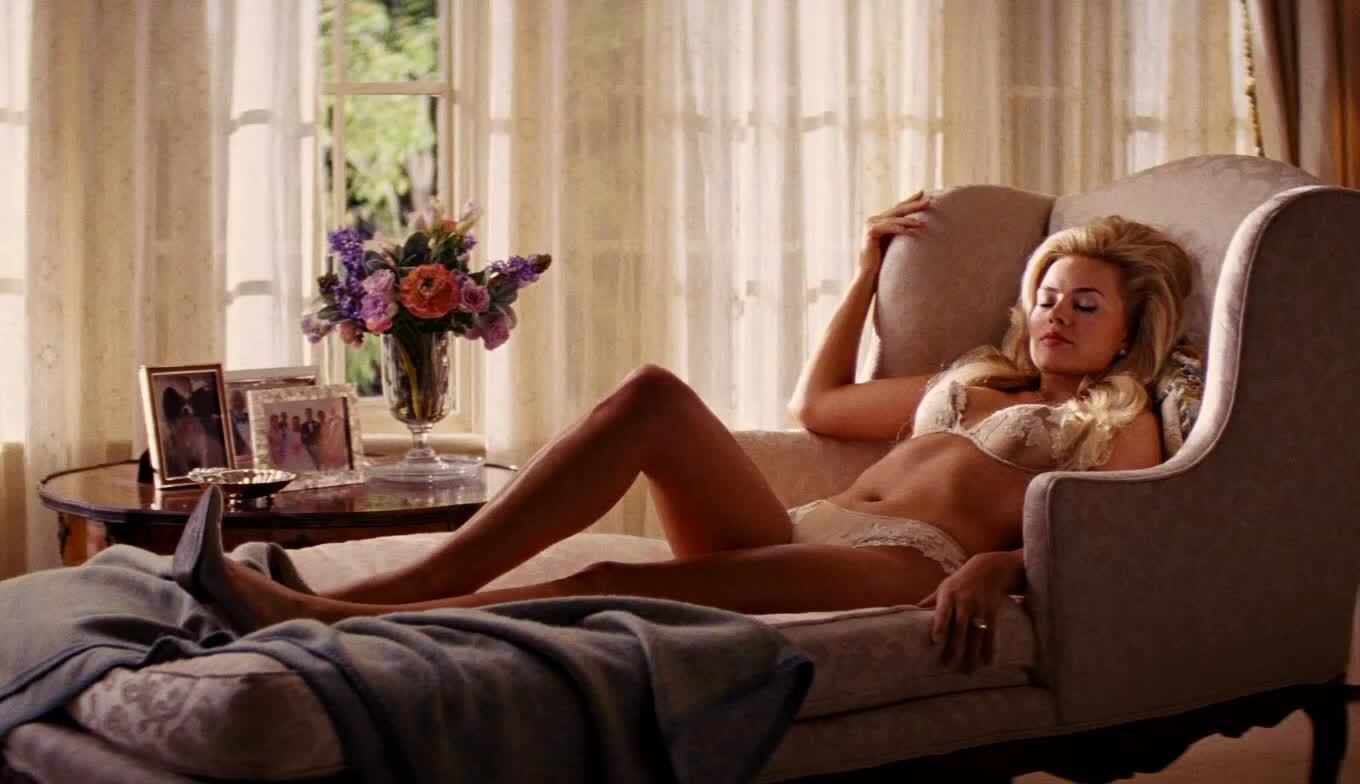 Margot Robbie in sexy lingerie seduction video