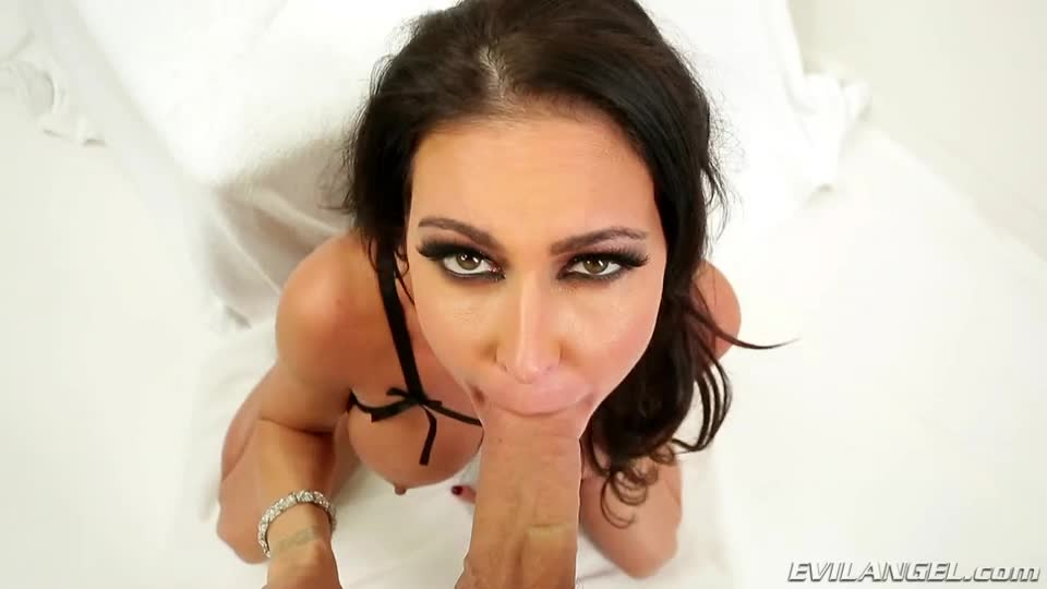 Jessica Jaymes Gets Her Face Covered 💦
