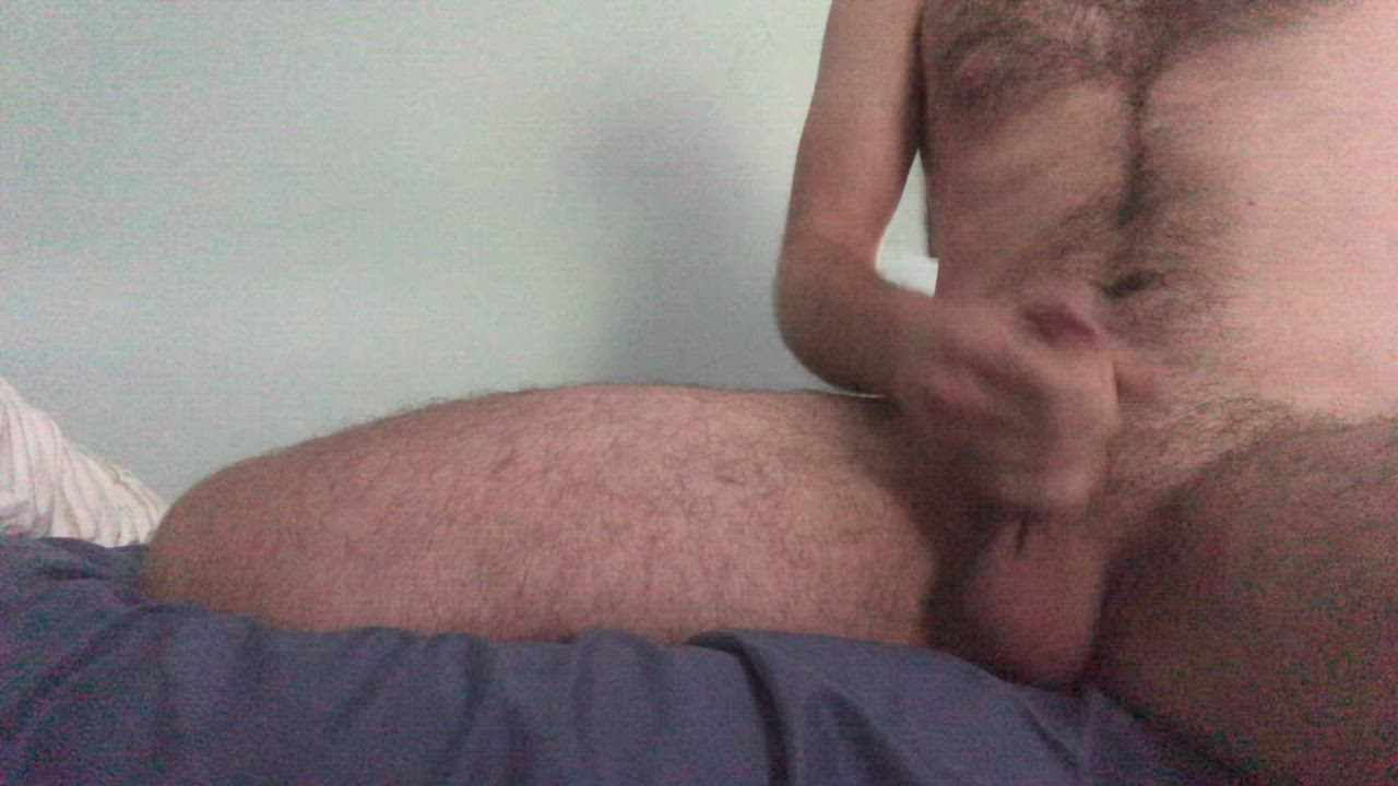 Good afternoon! Here's a lot of cum from my cock to your throat 😊