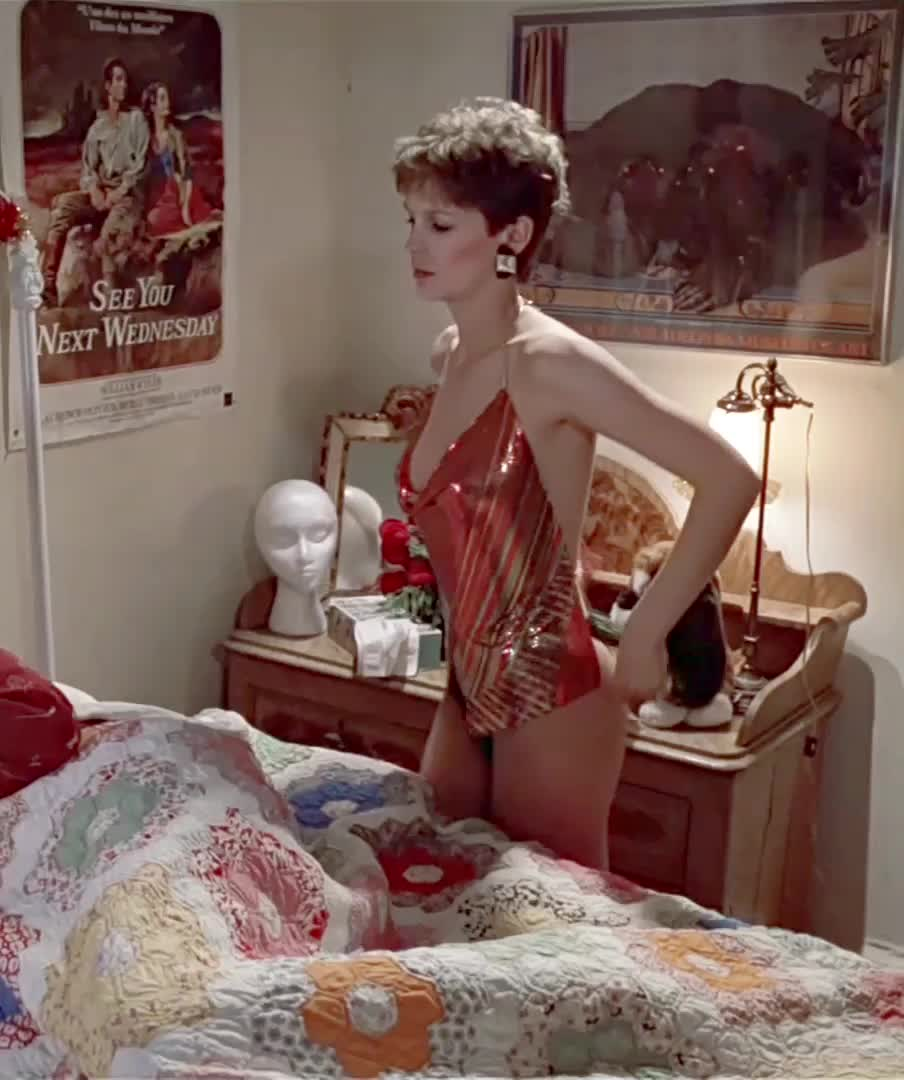 Jamie Lee Curtis - One of the all time great plot reveals in 'Trading Places'