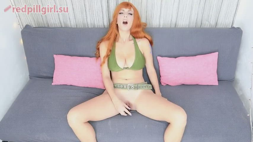 Nami cosplayer teases herself with dildo