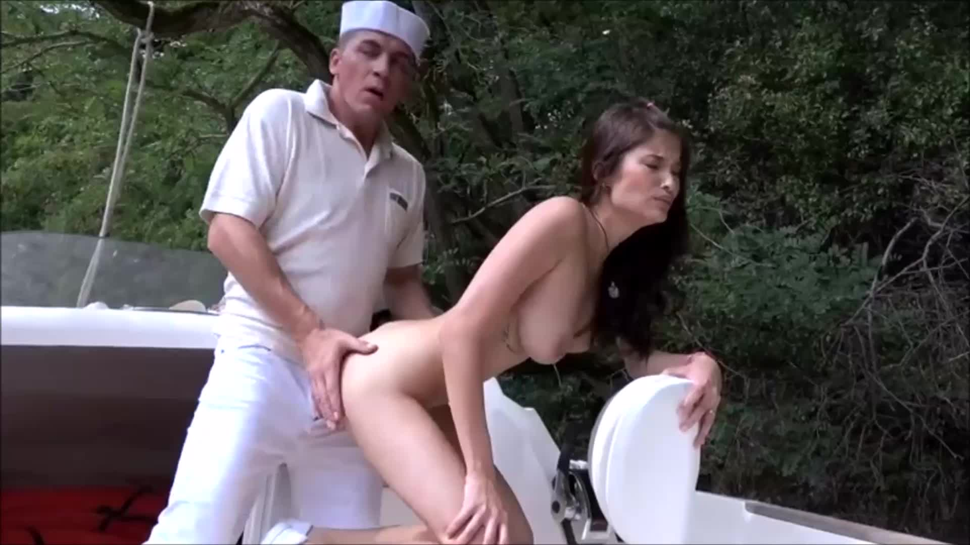 Very Beautiful Asian with Big Natural tits fuck on boat HD