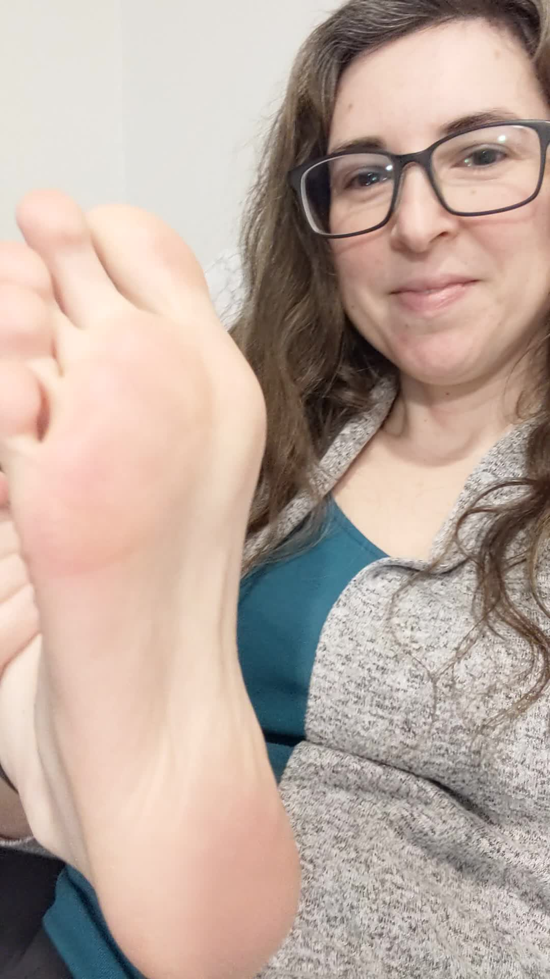 Giving you a peek of my soles and toes