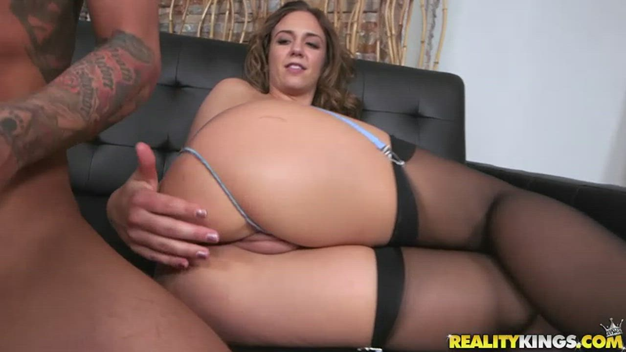 Layla helps him penetrate her willing ass