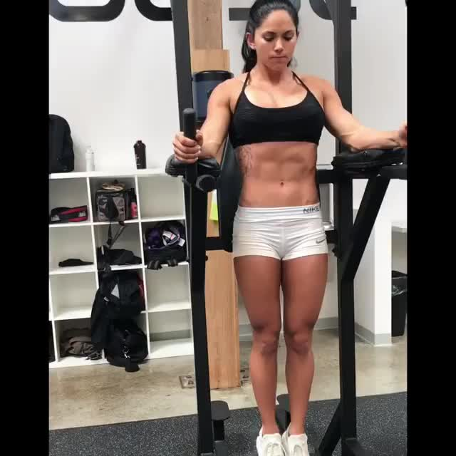 aspen Rae working out