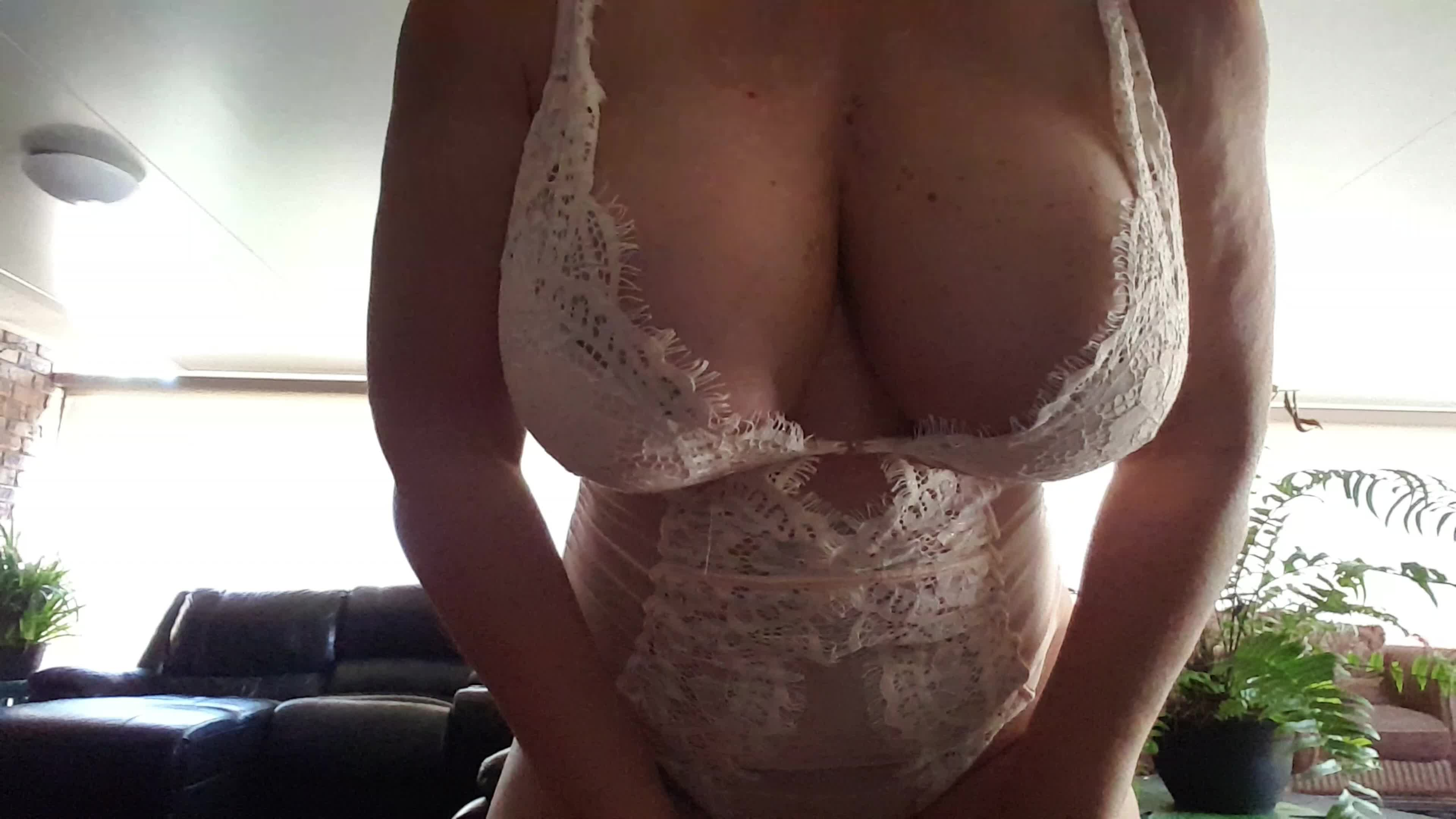 Getting my boobs out this morning in one of my favorite pieces of lingerie ❤ xx 54yo 🇦🇺
