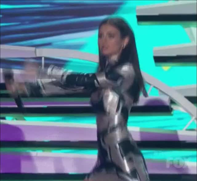 Watch Victoria Justice (reddit) GIF by @esafasef on Gfycat. Discover more StoppedWorking, gentlemanboners GIFs on Gfycat