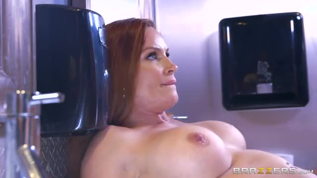 thick creampie pours out of Diamond Foxxx