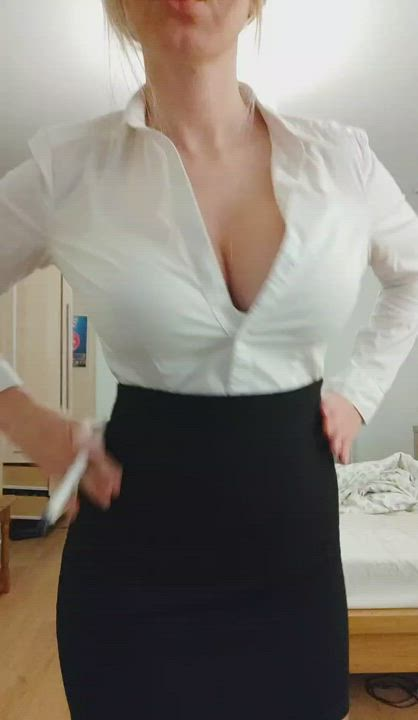 Be honest..did you expect them to be this perky for natural tits