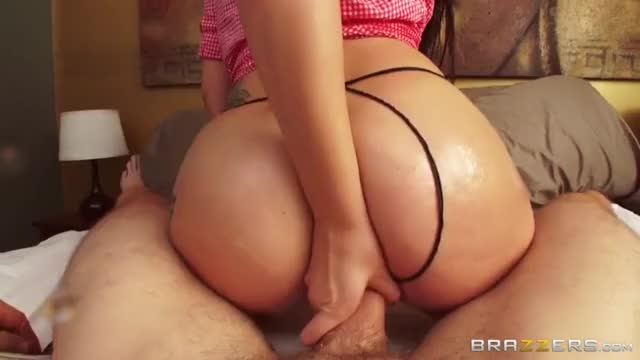 PAWG bouncing on a cock