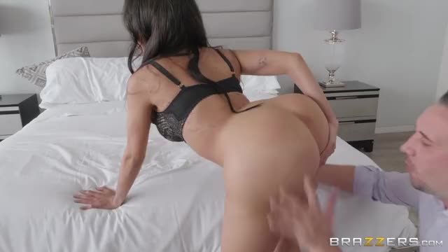 lela Star Getting Her Fake Booty Eaten