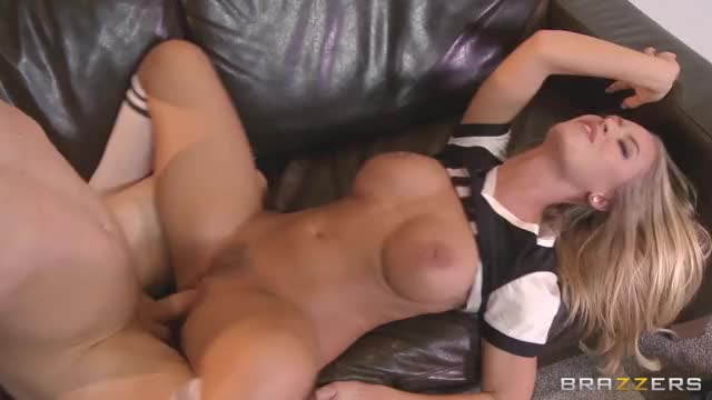 Nicole Aniston takes it hard on the couch. (reddit)