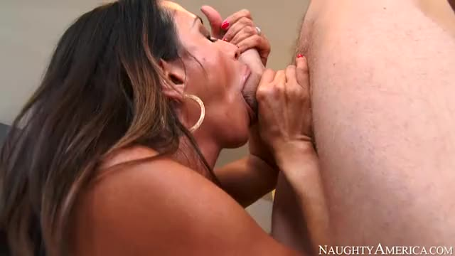 ariella Ferrera unfathomable face hole engulf.