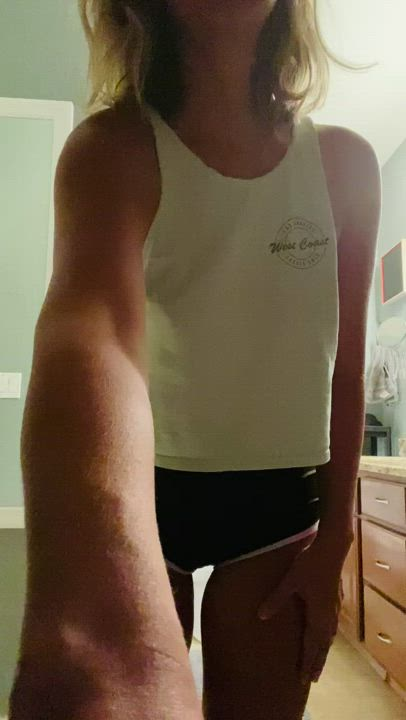 Watch me peel these tight shorts off of my 40yo milf ass.