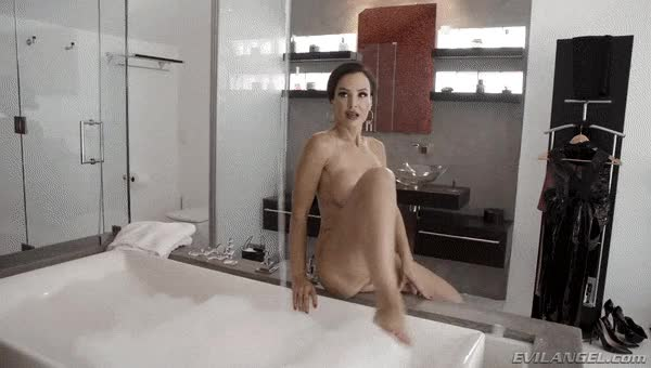 lisa Ann: Anal Toys, Luxury Buttfuck