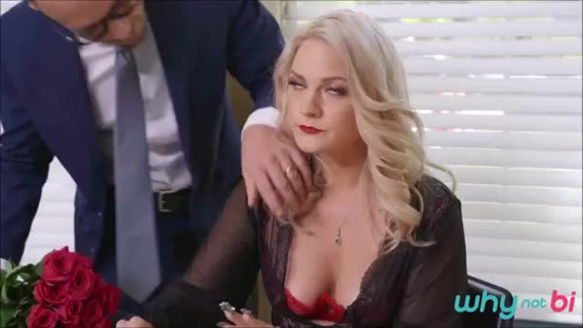 Lisey Sweet & her hubby share a BBC