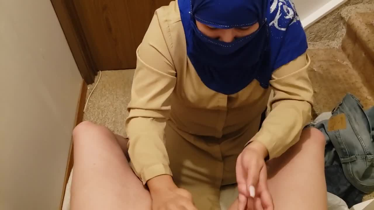 Cheating Pakistani Milf Cleans Lovers White Cock