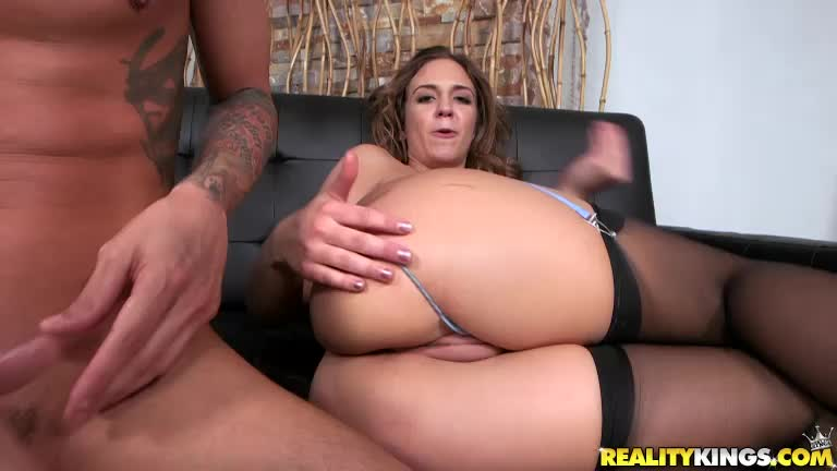 Layla London Gives Up The Ass