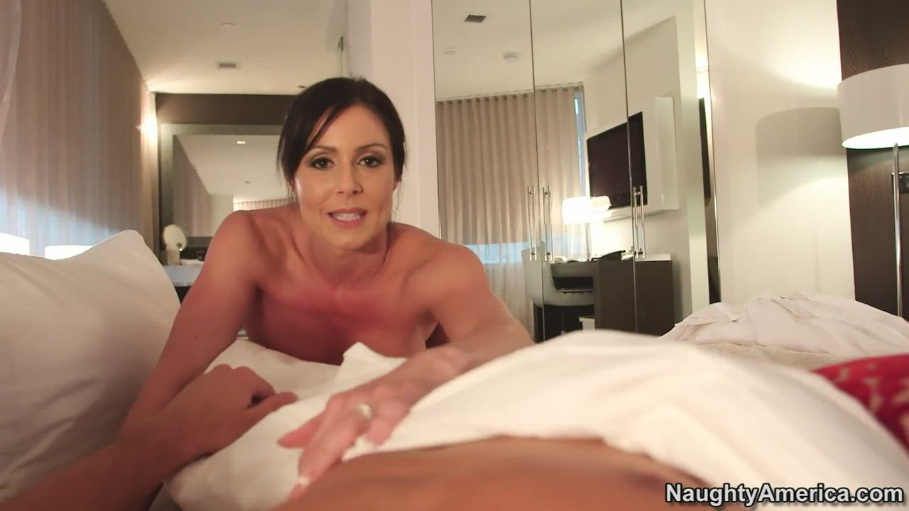 Find Your Fantasy with Super MILF Kendra Lust