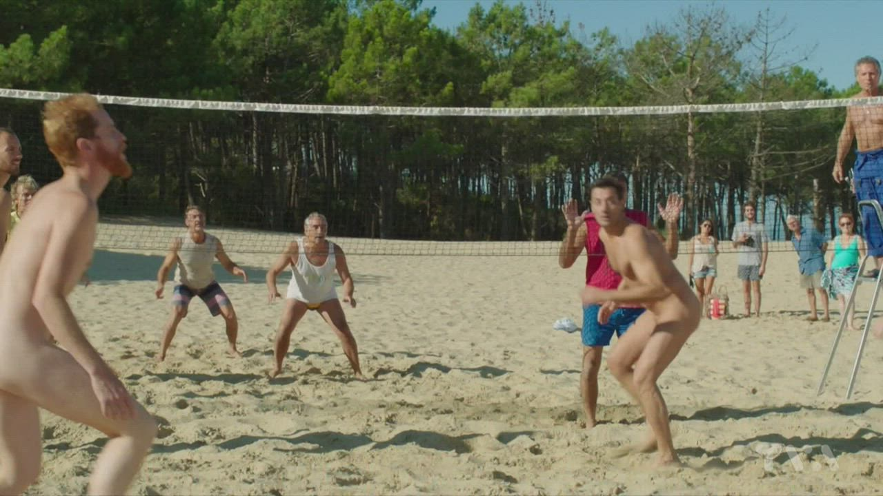 Camping 3 (FR2016) - the beach volleyball scene