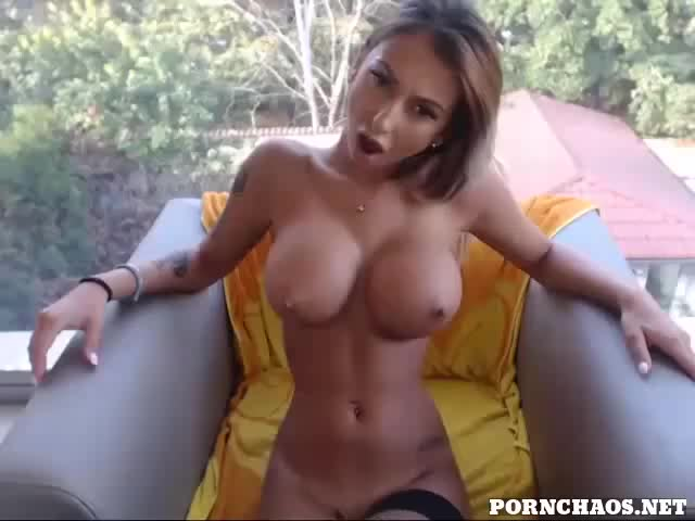 breasty golden-haired fingering her wet wet crack with ohmibod GIF