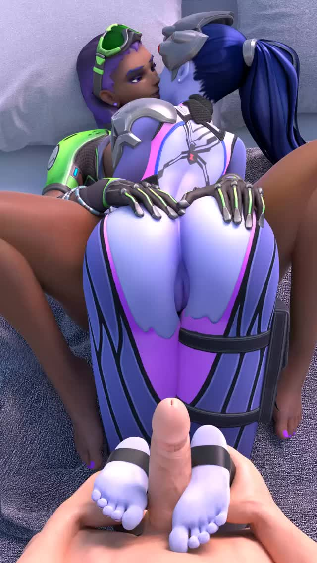 widowmaker giving a footjob whilst giving a kiss Sombra