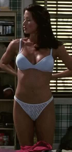 Shannon Elizabeth Reveal in American Pie