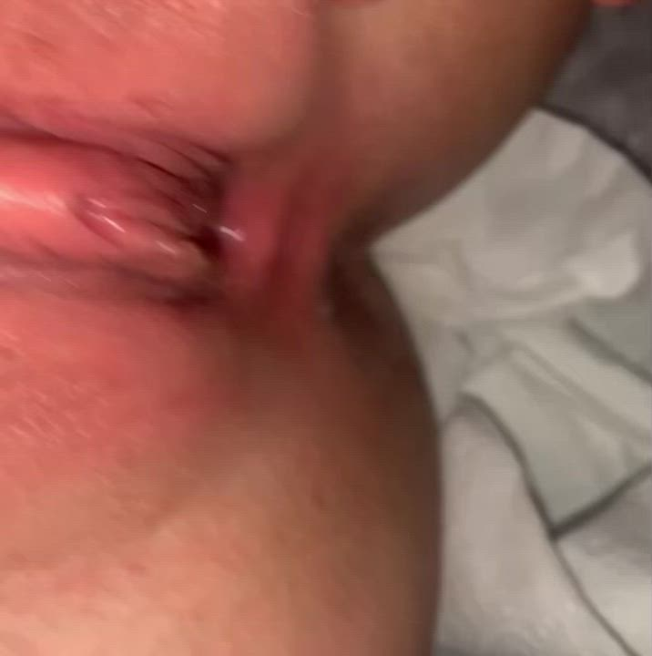I'll never say no to cleaning my creampied pussy 👅