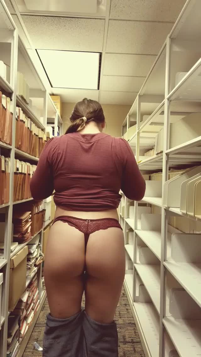 My coworkers would never guess my hump day secret (f) [gif]