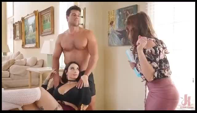 step Sisters Ivy and Krissy Fall For Ramon's Manipulative Whims