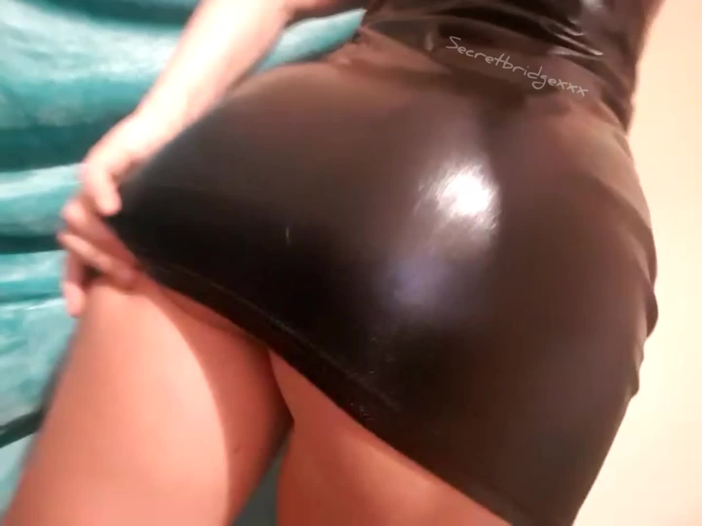 How's the view up my shiny dress?
