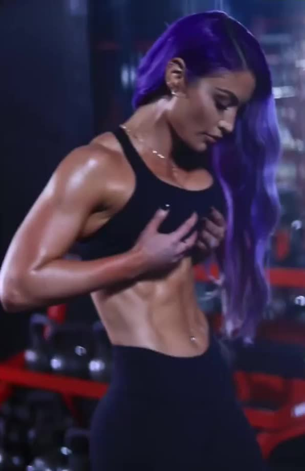 i would love to cum all over ex WWE diva Eva Marie's abs of iron