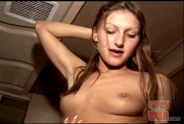 Enthusiastic pussy eating (7 MIC)