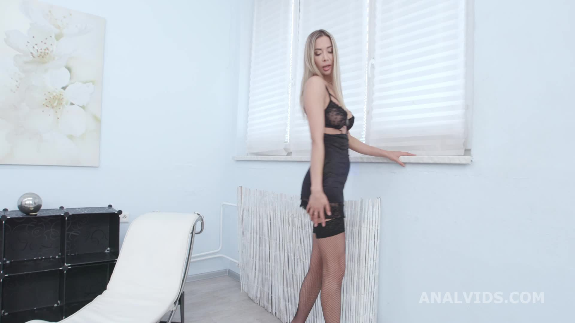 Tall Blonde Babe Gets Gangbanged by 3 White guys and then 3 Black guys with DAP