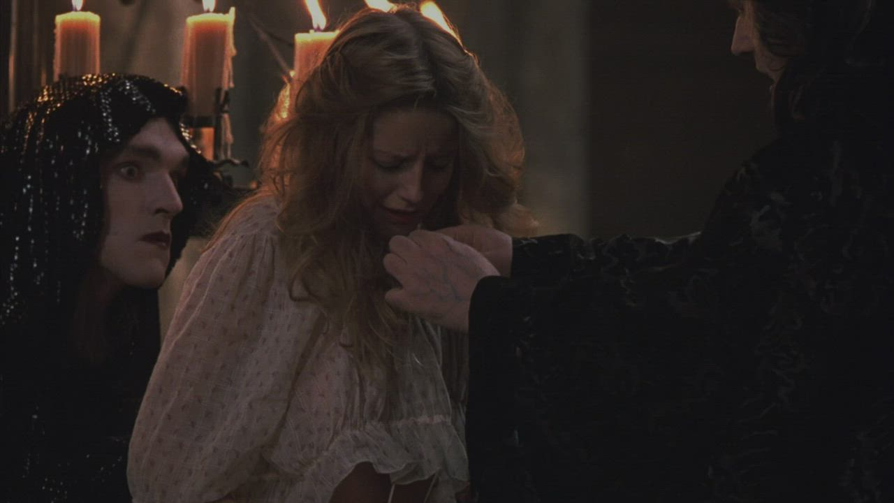 """Laure Marsac undressed in """"Interview with the Vampire"""""""