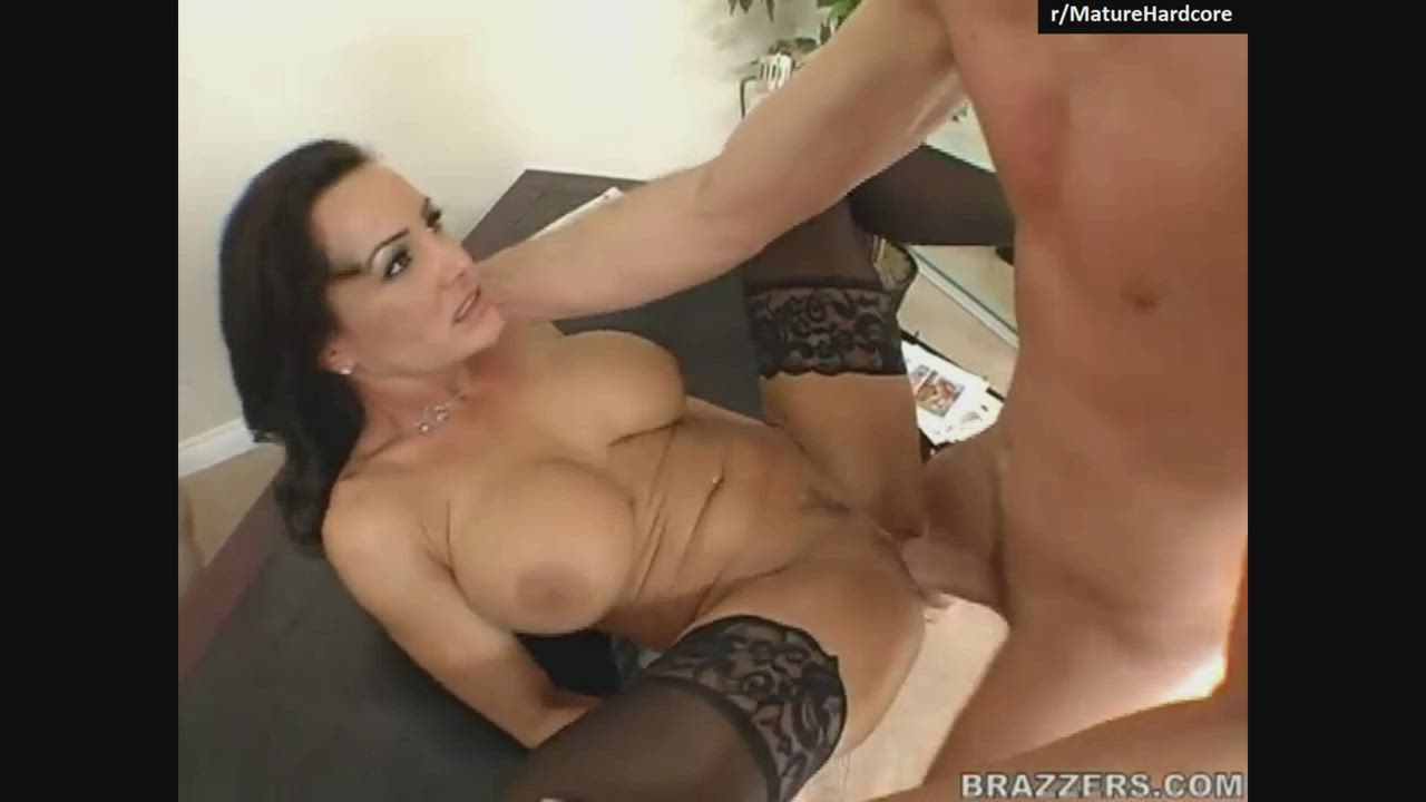 Lisa Ann Got Her Pussy Pounded Hard In Her First Brazzers Scene