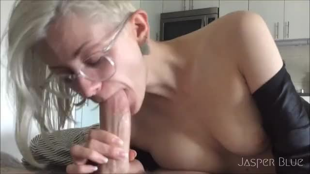 jasper blue makes him cum in her mouth