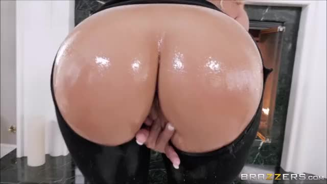 Cali Carter fucked in her ass