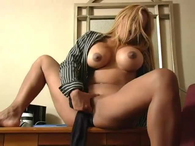 blond Oriental Getting Herself Off
