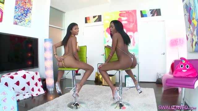 nia Nacci & Ashley Aleigh Widen Their Booties