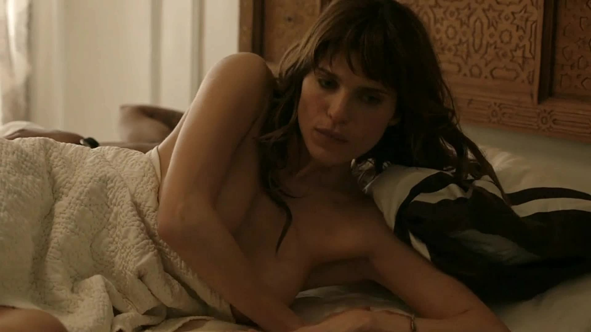 Lake Bell AMAZING boobs and ass, NSFW video