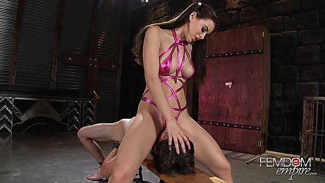 lana Rhodes rides her subs face